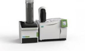 Spektrometr mas potrójny kwadrupol z analizatorem czasu przelotu TOF Clarus iQT