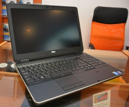 Laptop biznesowy Dell Precision m2800